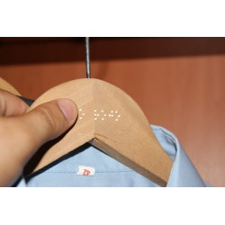 PERCHA PERSONALIZABLE CON BRAILLE